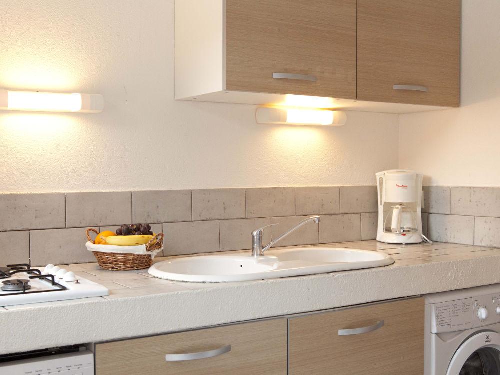villa à louer en corse cuisine location appartement 8 personnes Villa  pour 8 Personnes