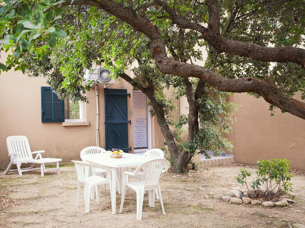 villa à louer en corse jardin studio corse Mini villa  Studio